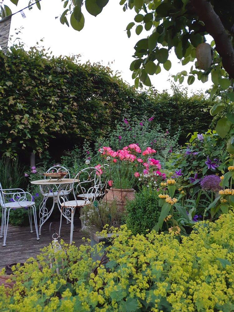 DMW Landscapes Local Garden Maintenance Service Oxfordshire 7