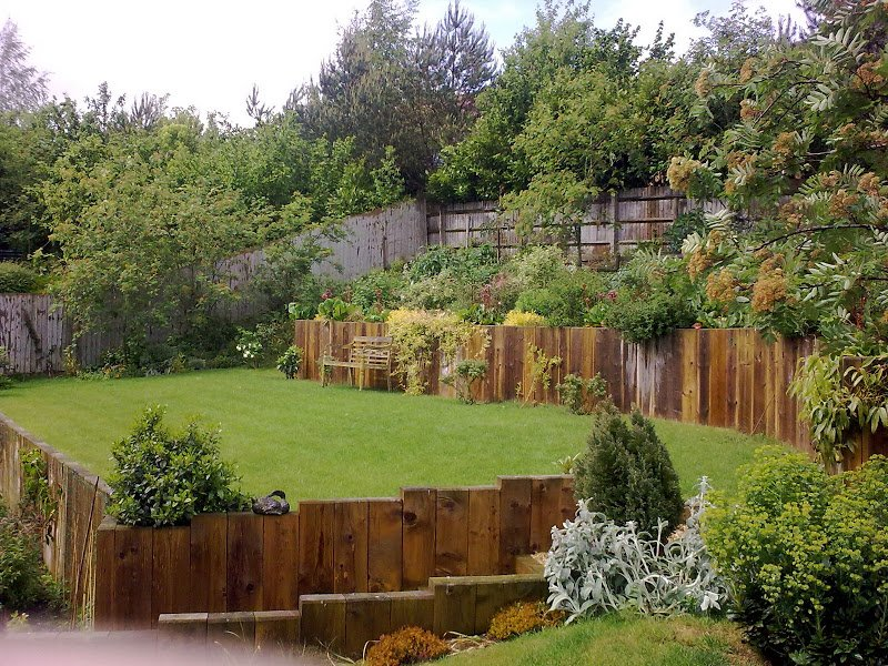 DMW Landscapes Large Garden Slope 20